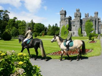 Ireland – a paradise for those who are fond of equine tourism