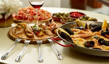 In search of the perfect meal: dishes of Romantic Spain