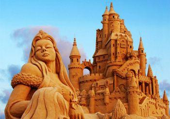 Exhibition of sand sculptures in Brighton